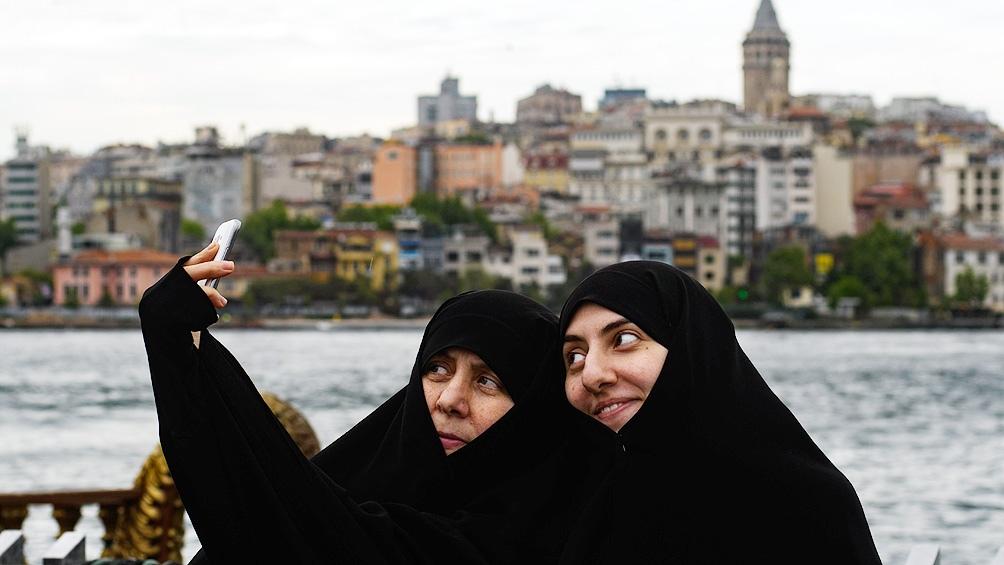 """""""La tasa de participación de las mujeres en la fuerza de trabajo también se redujo de manera significativa"""", según la ONU."""